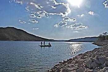 Vissen aan de Ebro meerval en karper Ceiton Bay Visvakantie Ebro